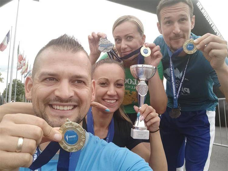 Policijski službenici PU požeško-slavonske osvojili zlatne medalje na Zagrebačkom polumaratonu