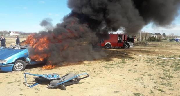 Ukrali automobil slavonskobrodskih registracijskih oznaka te ga zapalili u šumi na području Đakova