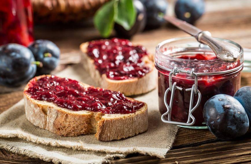 Bakin recept: Džem od šljiva s rumom uz koji palačinke postaju najtraženiji desert