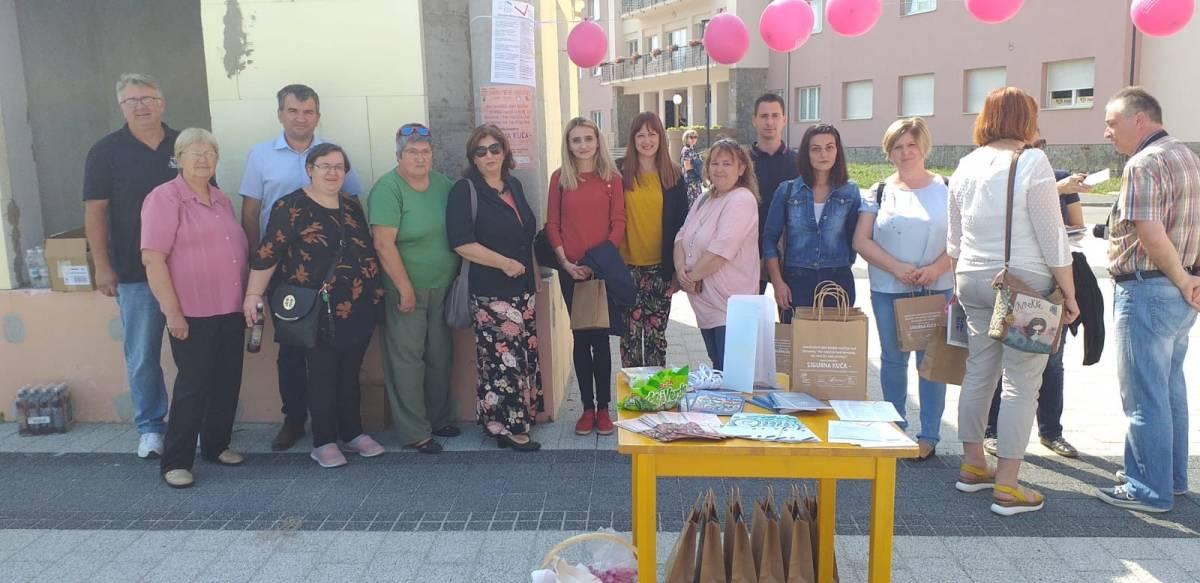 Saborska zastupnica Vlašić Iljkić u Pakracu podržala akciju povodom Nacionalnog dana borbe protiv nasilja nad ženama