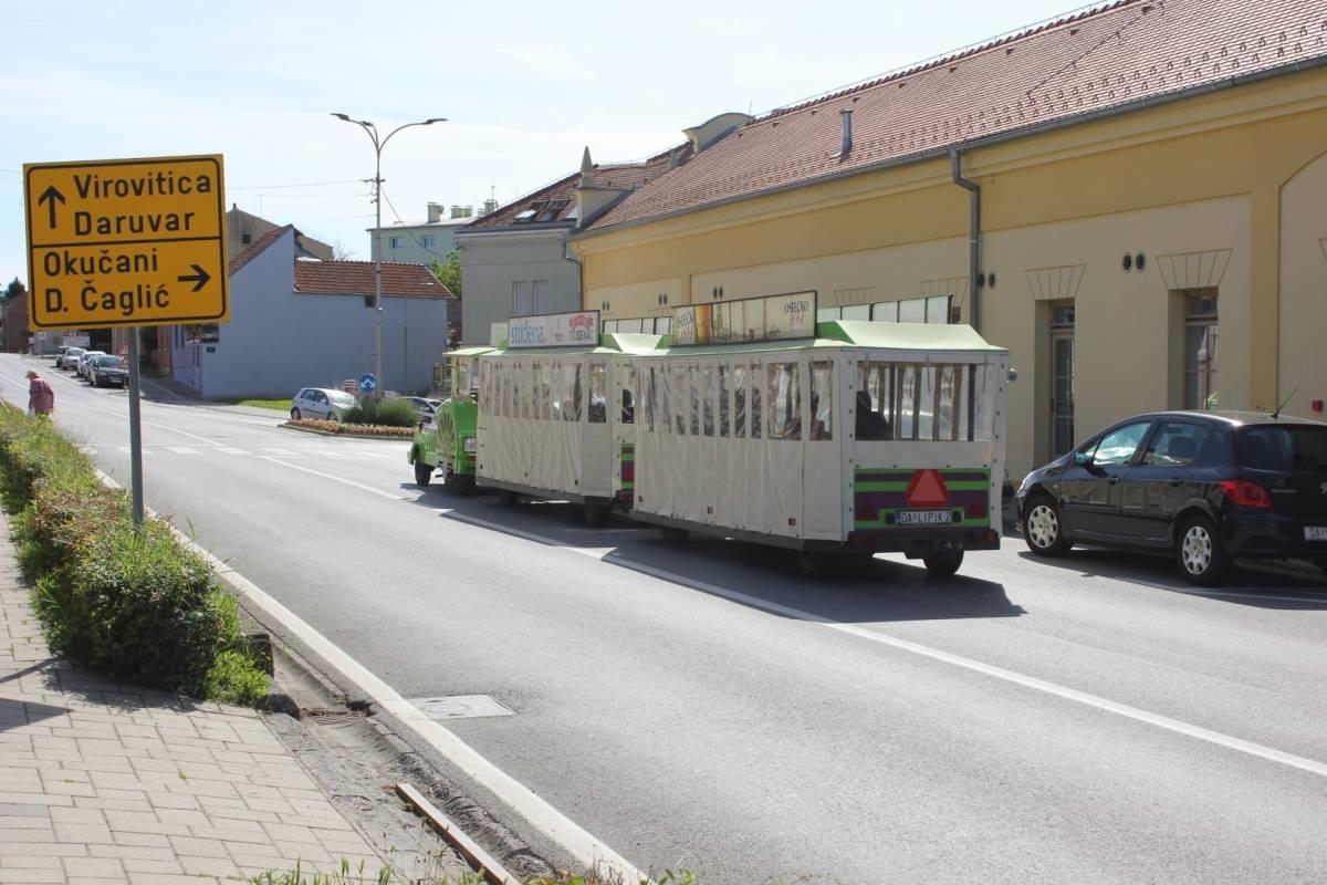 Turistički vlakić zamijenit će autobusi koji će voziti radnim danima