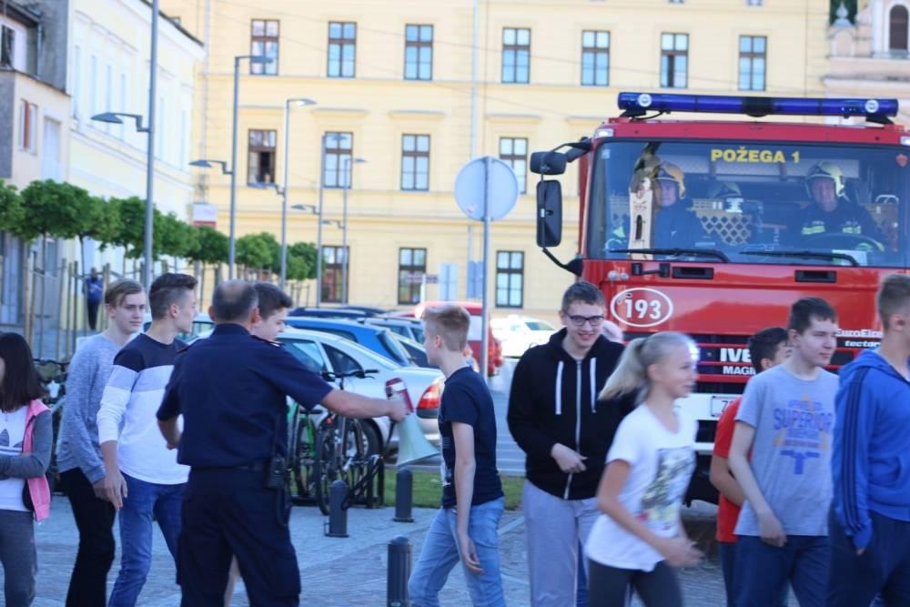Izlazak vatrogasaca