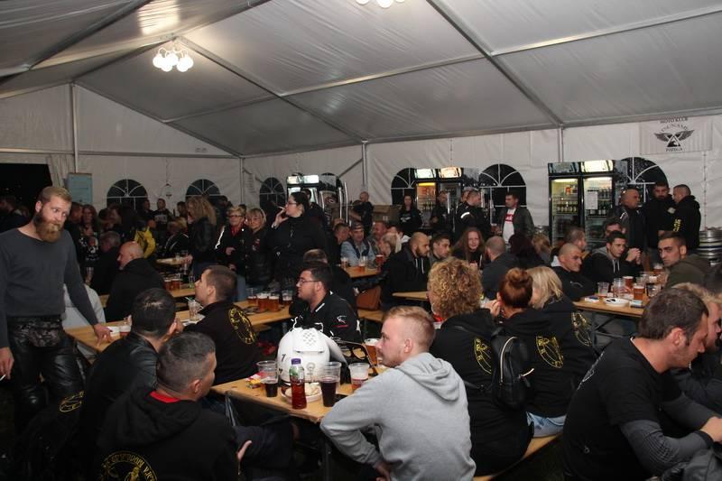 Uz žestoki rock, hektolitre piva, grah i pečene kobasice uspješno održan 3. Moto Oktoberfest MK Tsunami Požega