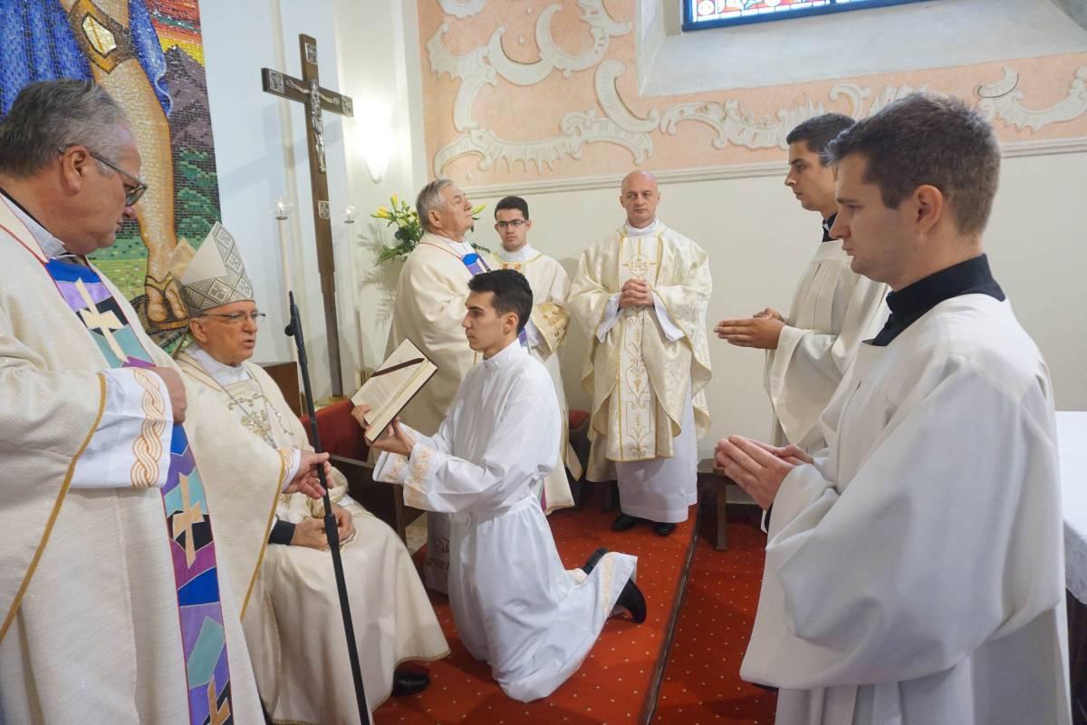 Primanje među kandidate Požeške biskupije za svete redove