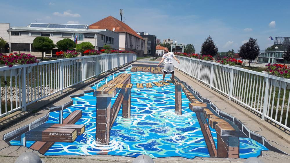 FOTKA DANA: 3D art na pješačkom mostu u Vukovaru