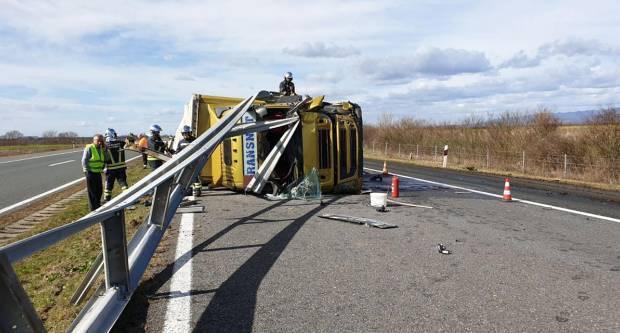Prevrnuo se kamion kod Slavonskog Broda