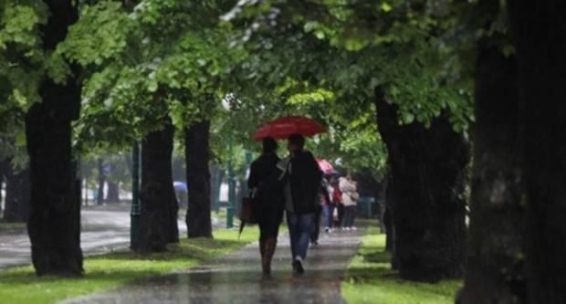 Vrijeme danas pretežno oblačno s kišom