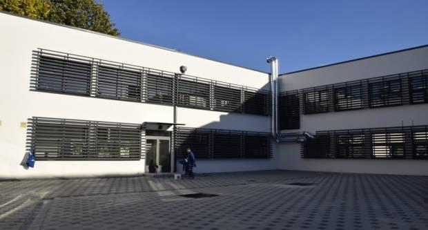 Sportska dvorana OŠ ʺDobriša Cesarićʺ pri završetku, a spremno je i idejno rješenje za dvoranu Kanižlićeve škole