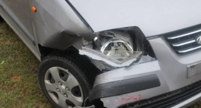 Zbog neprilagođene brzine naletio na vozilo ispred sebe u Požegi