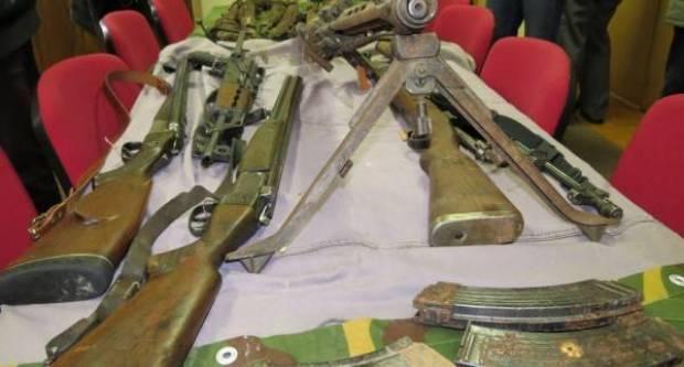 Građani policiji dragovoljno predali oružje