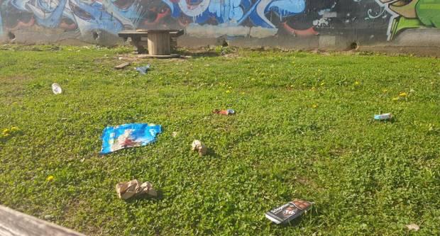 Novouređeni Skate park u Požegi zatrpan smećem