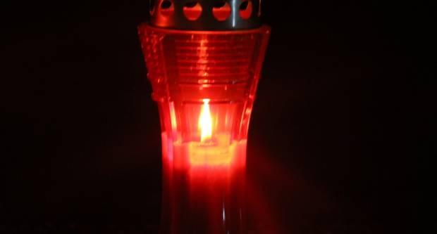 Stotine lampiona gori za Vukovar u Slavonskom Brodu