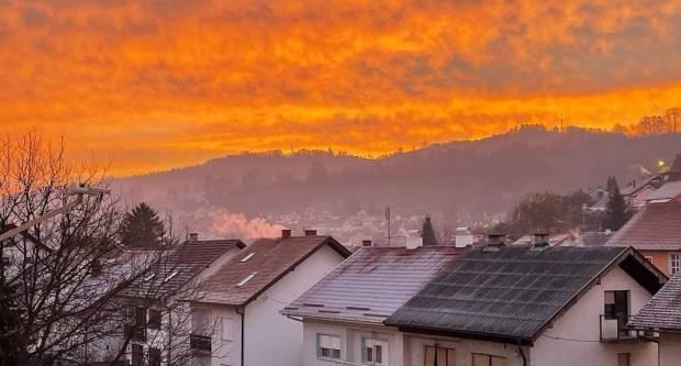 FOTKA DANA: Vatreno jutarnje nebo iznad Požege