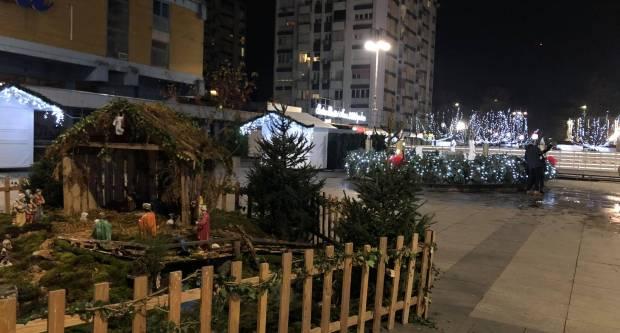 (VIDEO) Advent u centru Slavonskog Broda za vrijeme ʺmalog lockdownaʺ
