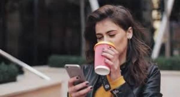 Državni tajnik Jelić najavio da bi kafići mogli dobiti dozvolu da prodaju kavu ʺza vanʺ?!