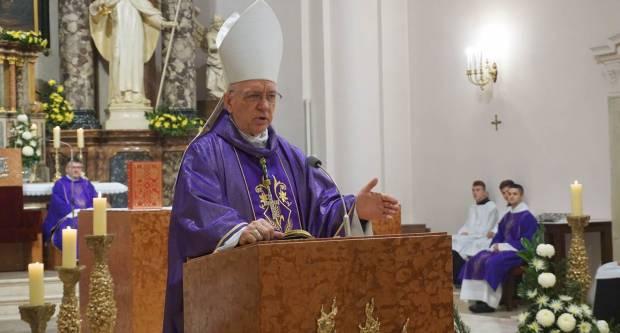 Nedjelja Caritasa u Požeškoj biskupiji proglašena Danom molitve za žrtve koronavirusa