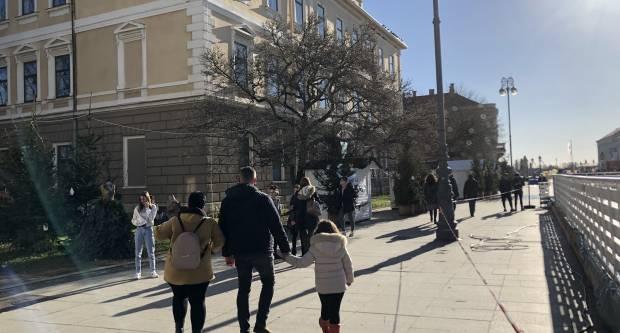Tresao se Slavonski Brod, ljudi su na ulicama