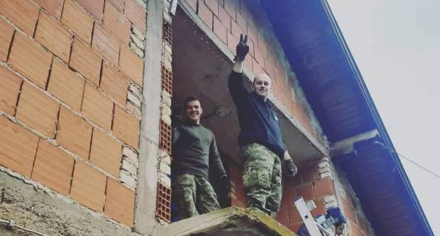 Brođanin popravljali krovove u potresom zahvaćenim mjestima