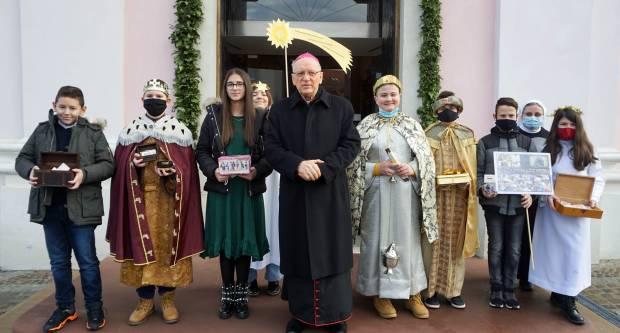 Svetkovina Bogojavljenja i Dan Svetog Djetinjstva u požeškoj Katedrali