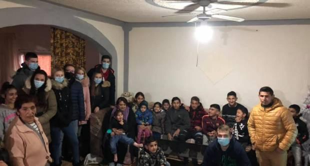 Mladi iz Sibinja i dalje neumorni! Danas su posjetili romsko naselje u Slavonskom Brodu gdje su smješteni potresom pogođeni mještani