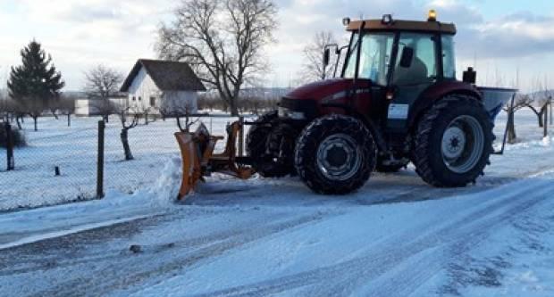 Snijeg zabijelio Požegu, zimska služba na terenu od nedjelje navečer