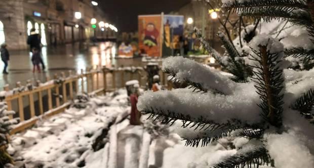 Snježna idila u centru Slavonskog Broda