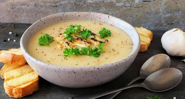 Ručak za 20 minuta: Fina kremasta juha od krumpira i karfiola
