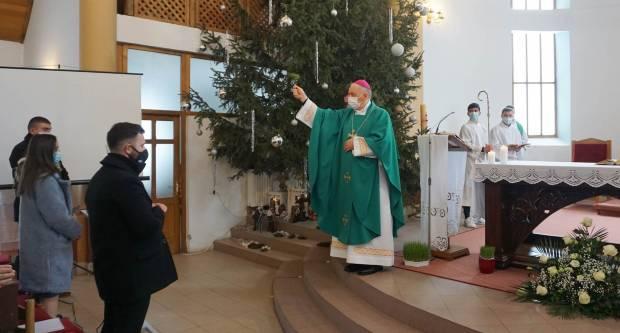 Biskup Škvorčević blagoslovio novu župnu kuću u Đulovcu