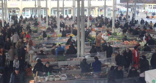 Ovako je jutros izgledala brodska tržnica