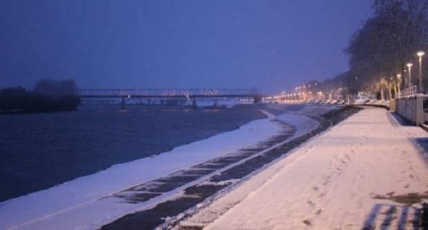 Promjenjivo oblačno, povremeno sa susnježicom i snijegom