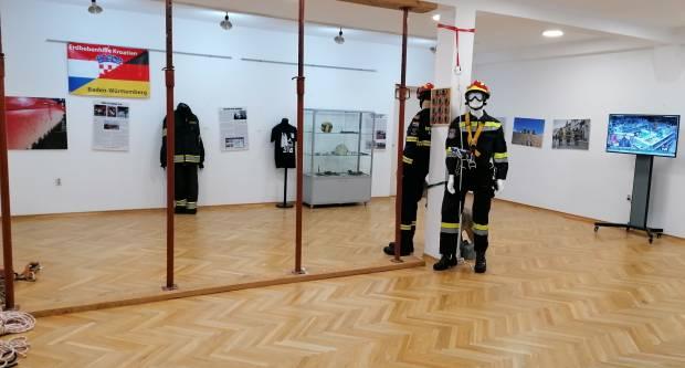 """Muzej hrvatskog vatrogastva postavio izložbu """"Minuta nakon potresa"""""""