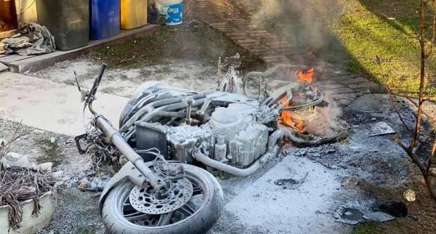 Brzom reakcijom vatrogasaca danas popodne ugašen požar u Slobodnici