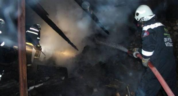 48-godišnjak u Sulkovcima plamenikom pokušao otopiti led u cijevima pa zapalio gospodarsku zgradu