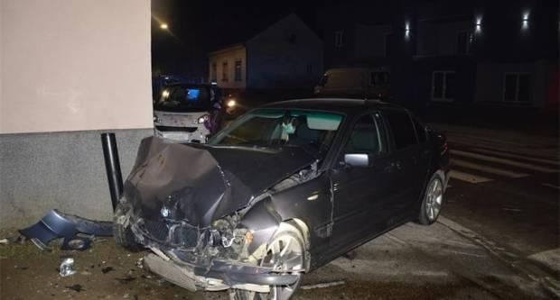 U prometnoj nesreći teško ozlijeđena jedna osoba