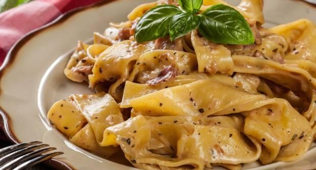 Talijanski klasik: ʺSiva tjesteninaʺ sa slaninom gotova za 20 minuta