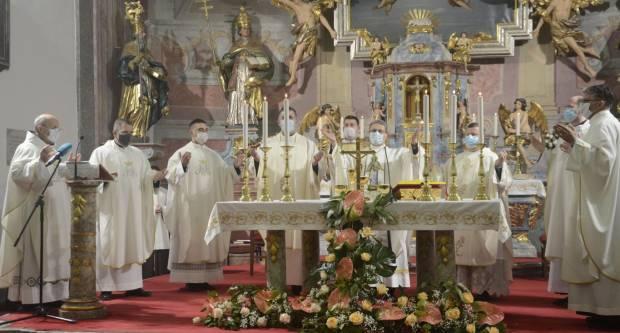 Blagdan Gospe Lurdske u franjevačkoj crkvi u Slavonskom Brodu