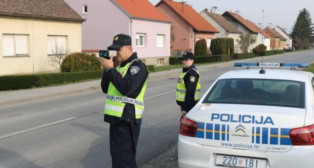 Filmska potjera na požeškim ulicama: 18-godišnjak s 1,28 promila bježao policiji