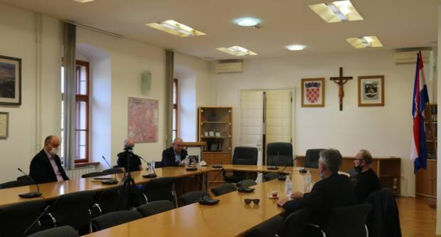 """Održan radni sastanak u vezi modernizacije atletske staze na ŠRC """"Stanko Vlainić-Dida"""""""