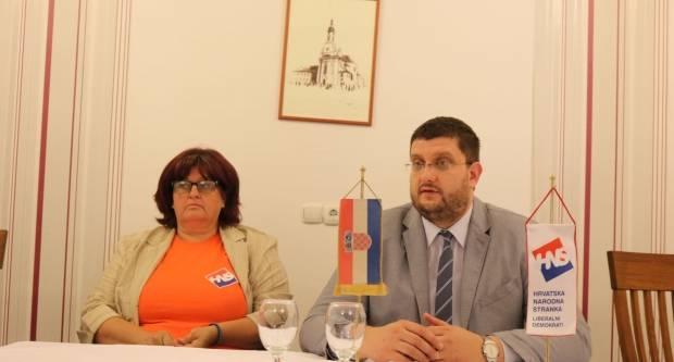 Saborski zastupnik Stjepan Čuraj na susretu s građanima Požege