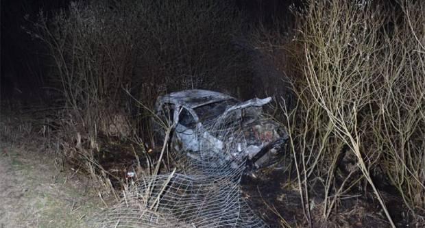 Policija objavila fotke prometne nesreće, automobil u potpunosti izgorio, ima ozlijeđenih