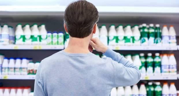HPK upozorava na obmanu: Na jeftino uvozno mlijeko stavljaju šahovnice!?