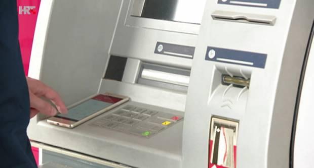 Građani zabrinuti jer plaćamo previsoke bankarske naknade: ʺI dalje nas pelješe!ʺ