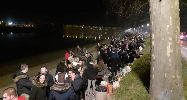 MLADI NA ULICAMA: Sinoć ponovno party u susjedstvu