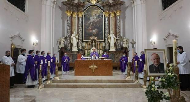 Godišnjica smrti kardinala Kuharića i Dan grada Požege u požeškoj Katedrali