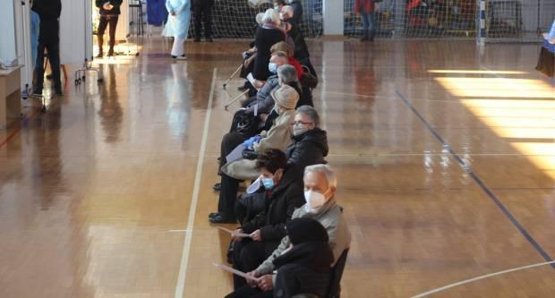 U Vijušu se danas cijepilo oko 250 ljudi, ʺtreningʺ masovnog cijepljenja