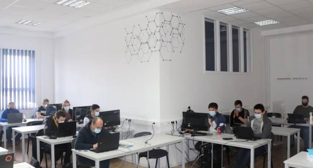 22 polaznika iz cijele Hrvatske krenulo na osposobljavanje za programere umjetne inteligencije