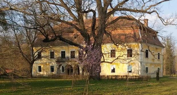 Dvorac baruna Trenka u Trenkovu