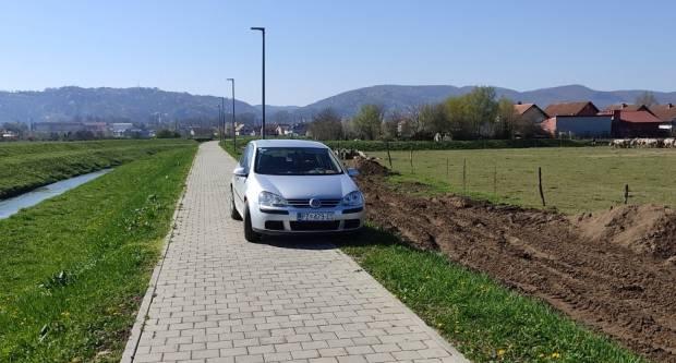 Neprocjenjivo parkiranje tik uz Veličanku