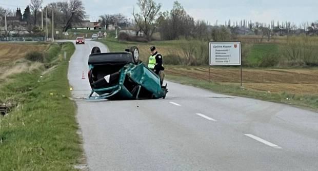 U jučerašnjem prevrtanju automobila teže ozlijeđen vozač pod utjecajem alkohola kod Velike