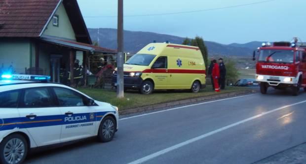 Za jučerašnje slijetanje na terasu privatne kuće u Filipovcu kriv je 69-godišnji vozač pod utjecajem alkohola od 1,86 promila
